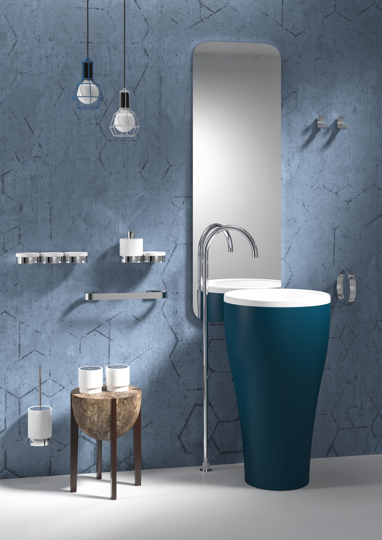 Maxxi la nuova collezione di accessori di regia bagno italiano blog - Regia accessori bagno ...