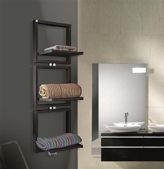Termoarredo di design deltacalor presenta tris bagno - Tris tappeti bagno ...